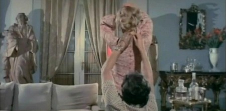 La signora ha dormito nuda con il suo assassino 6