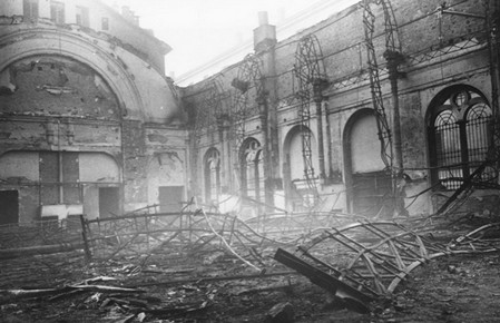 a- Cinema Massimo Torino bombardato