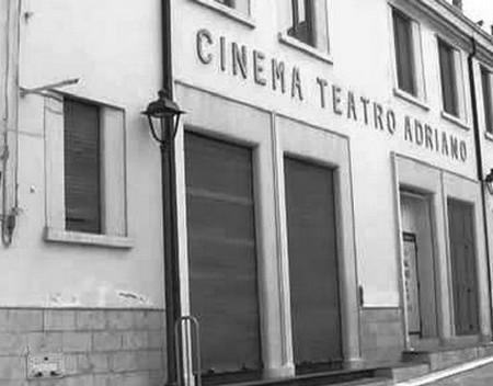 cine-teatro-adriano-sala-consilina