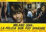 3-8 Milano odia la polizia non puòsparare